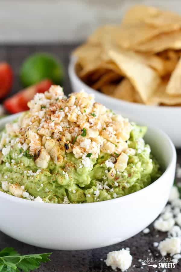 Bowl of guacamole.