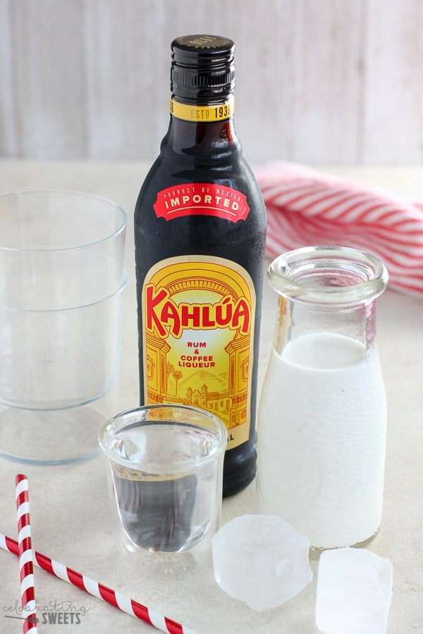 Ingredients to make a White Russian